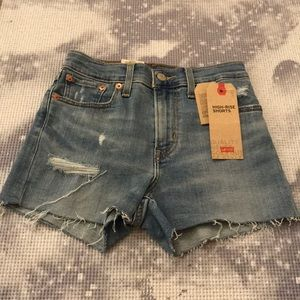 NEW levis shorts
